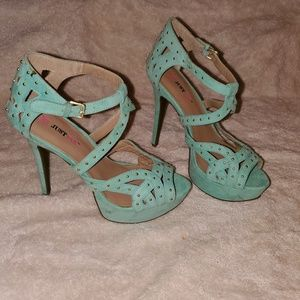 Turquoise Just Fab Platform Heels size 7.5